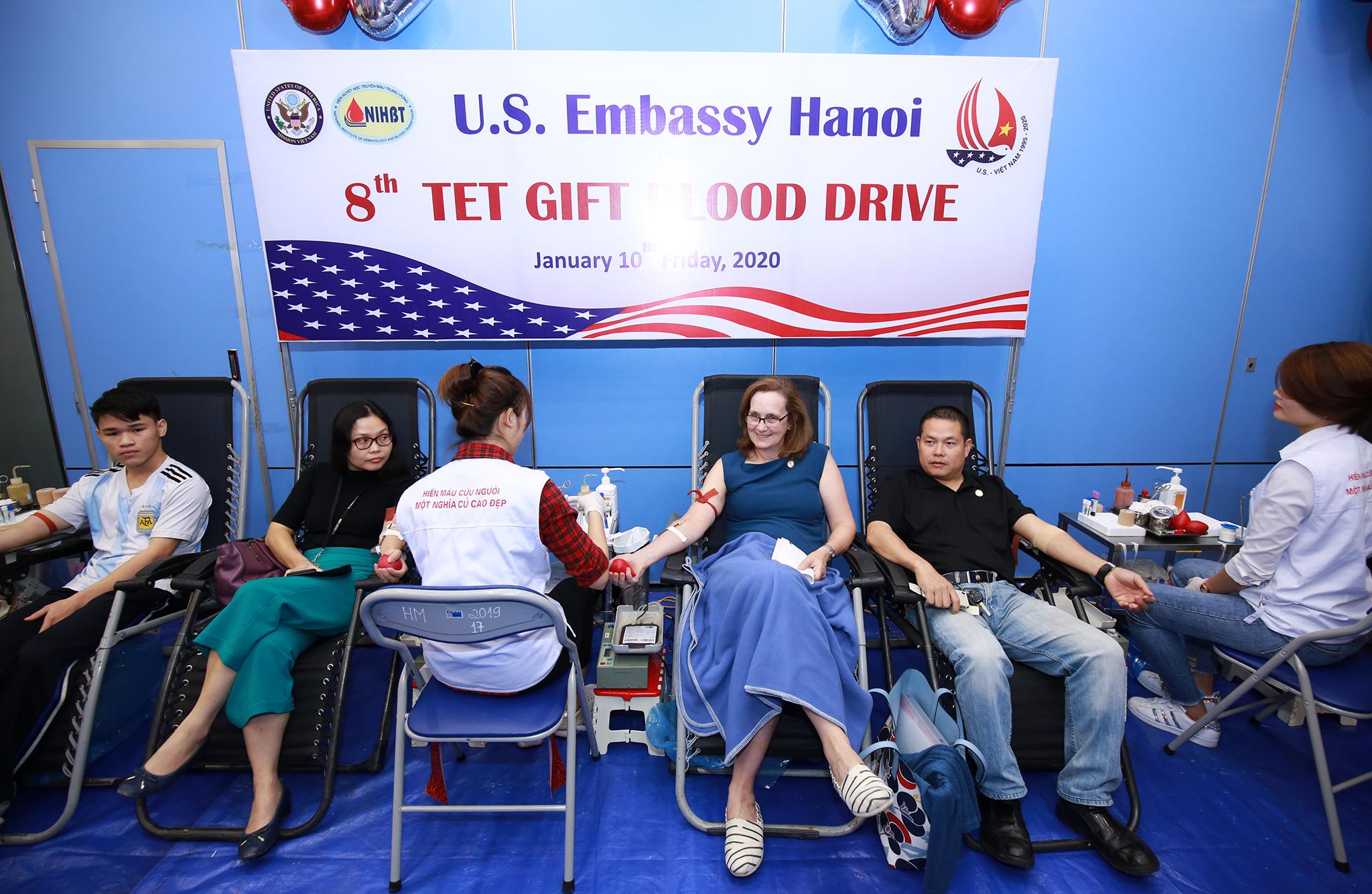 Đại sứ quán Hoa Kỳ tổ chức hiến máu nhân đạo nhân dịp Tết Nguyên đán