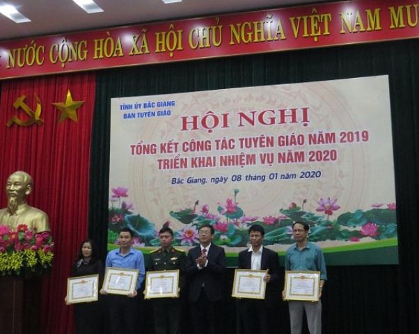 Bắc Giang Hơn 60 nghìn cán bộ được bồi dưỡng lý luận chính trị