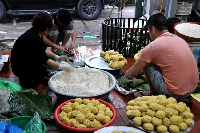 Tết sớm ở làng bánh chưng Tân Hà