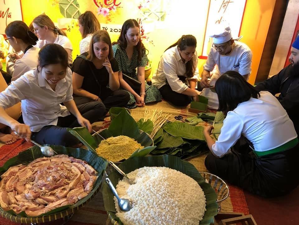Sinh viên New Zealand trải nghiệm văn hóa, du lịch Việt Nam