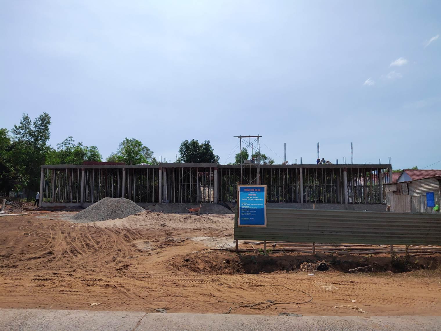 Bài 1 Trường Tiểu học Cửa Dương 1, Phú Quốc xây dựng trên đất tranh chấp