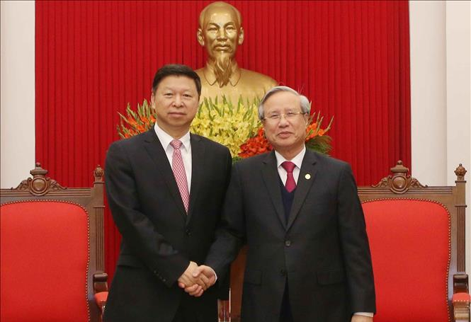 Đồng chí Trần Quốc Vượng tiếp đoàn đại biểu Đảng Cộng sản Trung Quốc