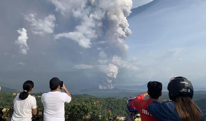 Khuyến cáo công dân hạn chế đến khu vực bị ảnh hưởng núi lửa ở Phi-líp-pin