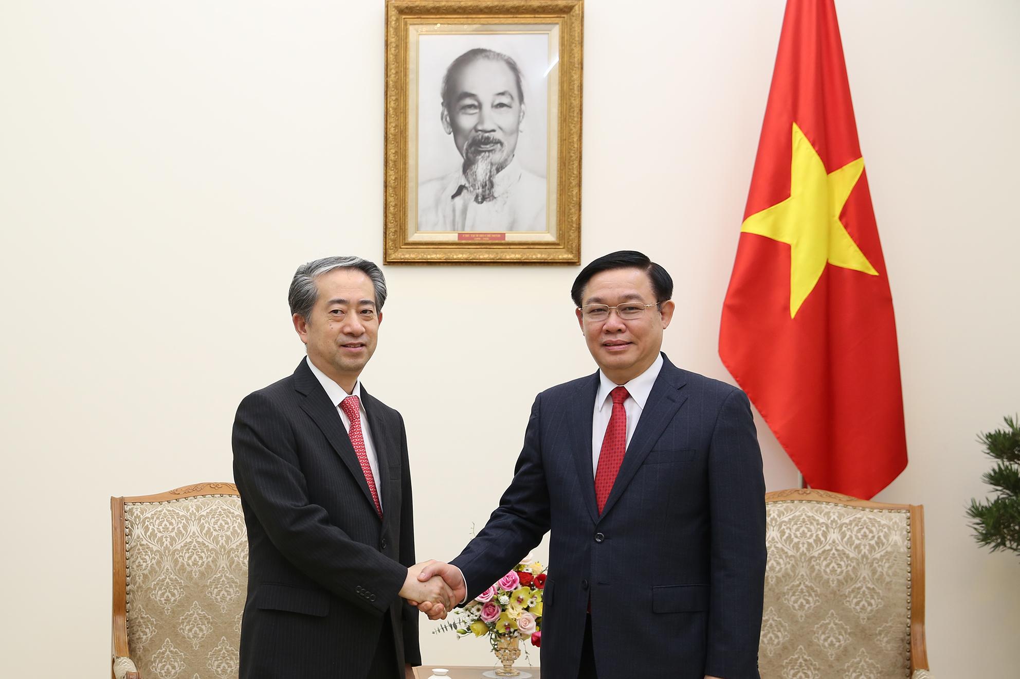 Phó Thủ tướng Vương Đình Huệ tiếp Đại sứ Đặc mệnh toàn quyền Cộng hòa Nhân dân Trung Hoa