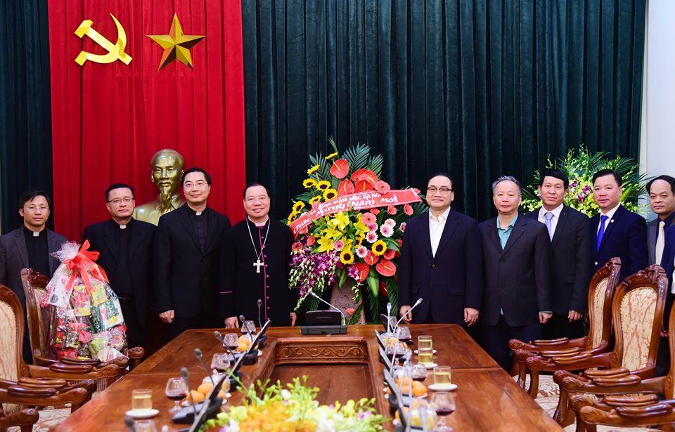 Tổng Giám mục Tổng Giáo phận Hà Nội chúc Tết Đảng bộ và chính quyền thành phố Hà Nội
