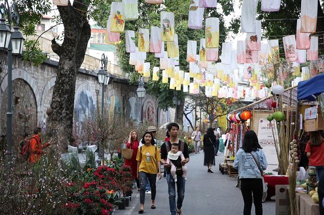 Chợ hoa Tết truyền thống Điểm hẹn văn hóa của người Hà Nội