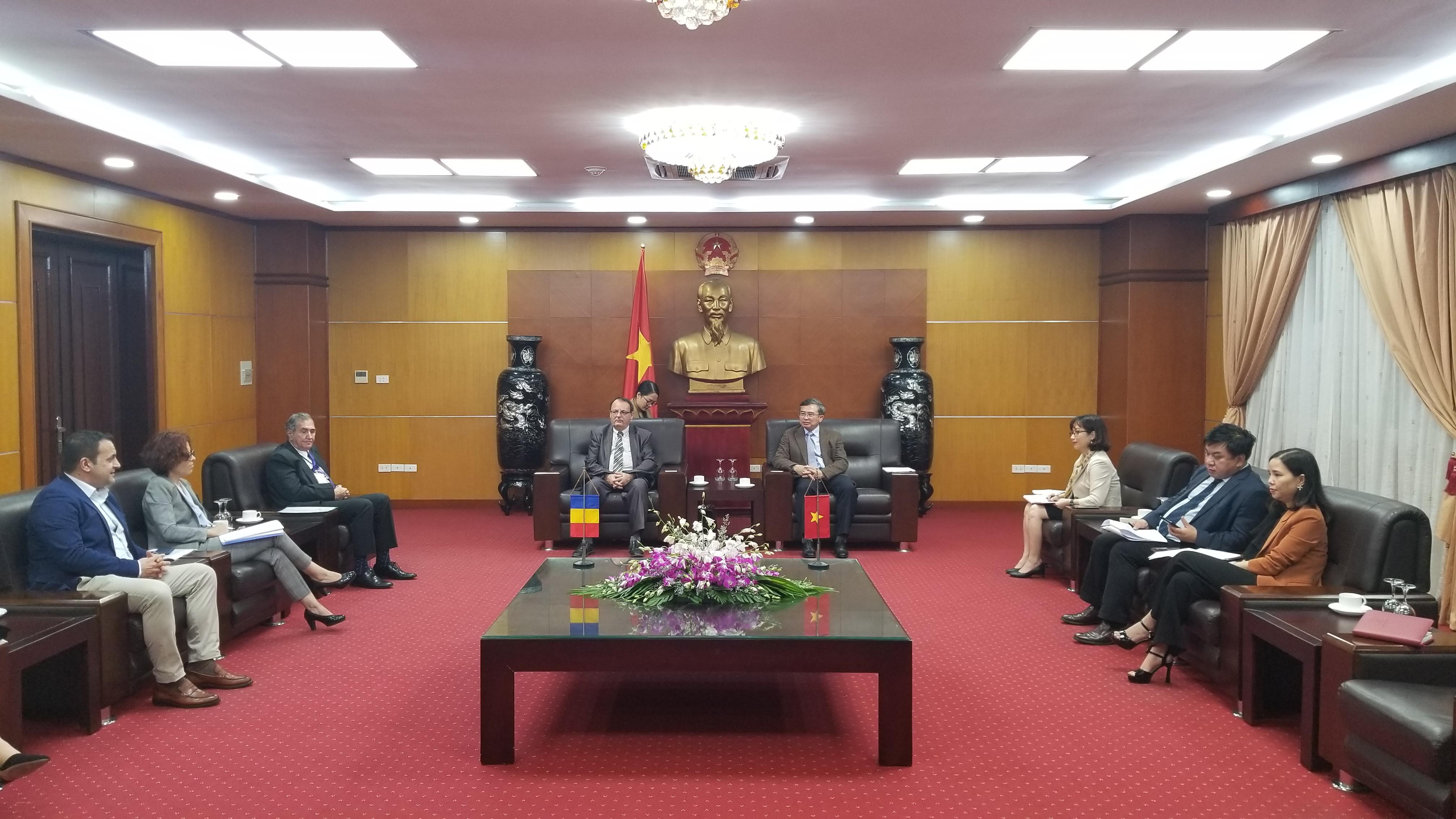 Đoàn doanh nghiệp Rumani làm việc với Bộ Công Thương