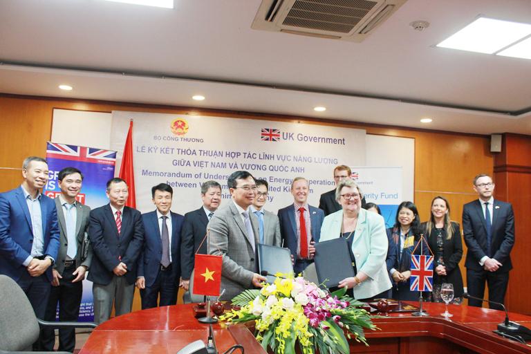 Tăng cường hợp tác phát triển năng lượng bền vững giữa Việt Nam và Vương quốc Anh