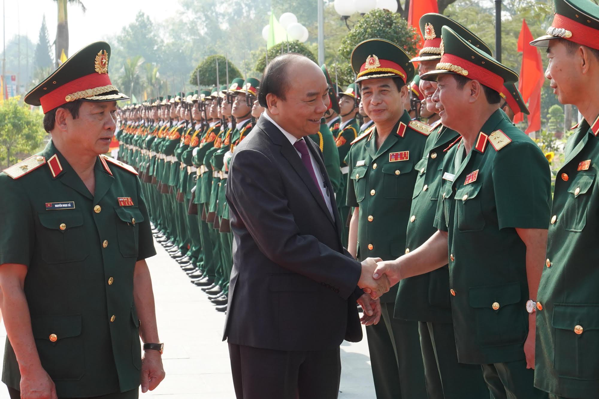 Thủ tướng yêu cầu Trường Sĩ quan Lục quân 2 nâng cao hơn nữa chất lượng đào tạo, gắn kết giữa học và hành