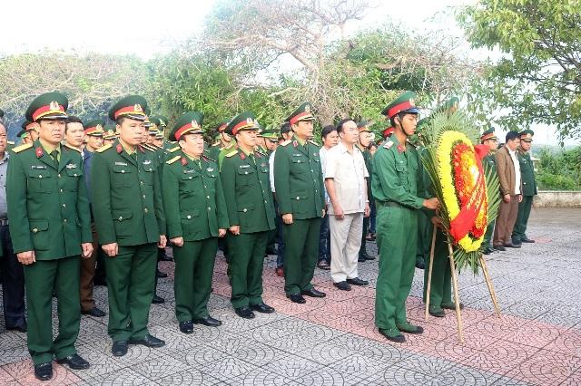 Quảng Trị Bộ Tư lệnh Quân khu 4 thăm và chúc Tết tại huyện đảo Cồn Cỏ