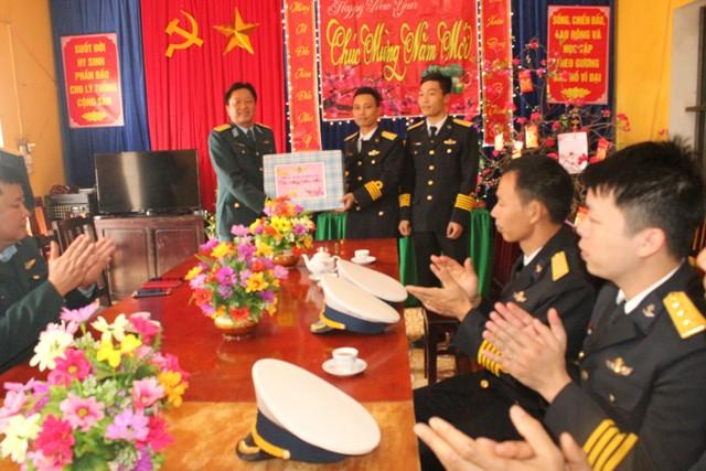 Sư đoàn 363 Thăm, chúc tết quân và dân huyện đảo Bạch Long Vỹ
