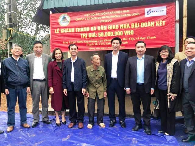 Bàn giao nhà tình nghĩa tại tỉnh Quảng Ninh