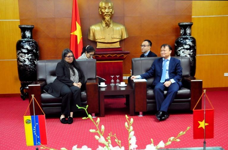 Đại sứ đặc mệnh toàn quyền nước Cộng hòa Venezuela tại Việt Nam làm việc với Bộ Công Thương