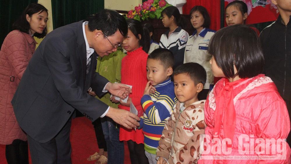 Bắc Giang Tặng 324 nghìn suất quà Tết cho gia đình chính sách, hộ nghèo