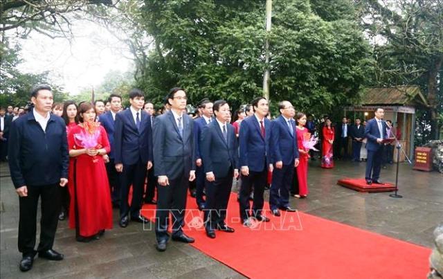 Phú Thọ Dâng hương tưởng niệm các Vua Hùng