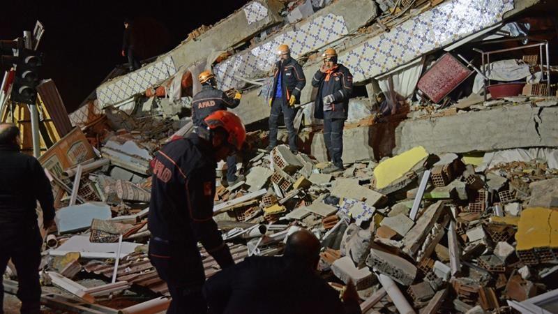 Hơn 500 người thương vong trong vụ động đất ở Thổ Nhĩ Kỳ