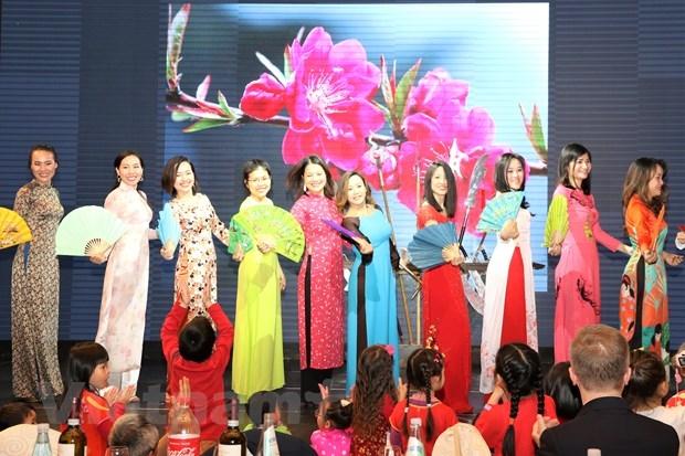Cộng đồng người Việt tại Italy gặp mặt đầu Xuân