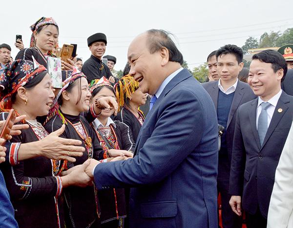 Thủ tướng trao quyết định công nhận huyện Trấn Yên Yên Bái đạt chuẩn nông thôn mới