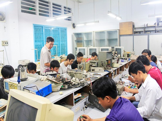 Các cơ sở giáo dục nghề nghiệp có thể cho học sinh nghỉ học để phòng virus Corona