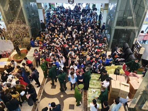Vẫn còn hiện tượng găm hàng khẩu trang y tế tại chợ thuốc lớn nhất Hà Nội