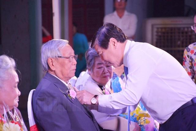 TP Hồ Chí Minh Trao huy hiệu Đảng cho đảng viên đợt 3 2