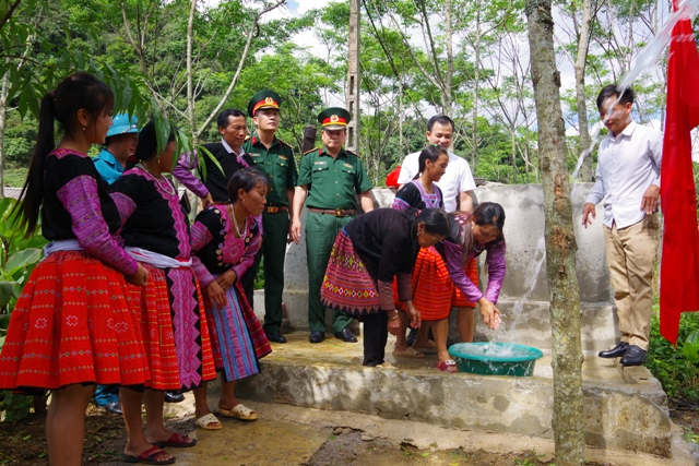Hòa Bình Bộ đội giúp dân phát triển kinh tế, xóa đói giảm nghèo