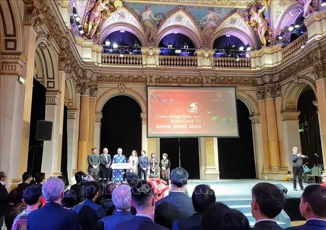 Xuân quê hương đến với cộng đồng người Việt tại Pháp