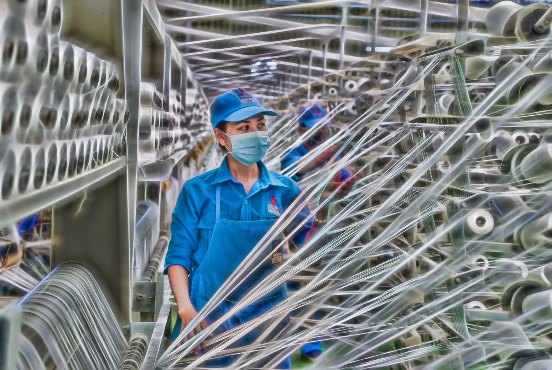 VNPOLY xuất bán 5 tấn sợi DTY để sản xuất khẩu trang phòng, chống dịch nCoV