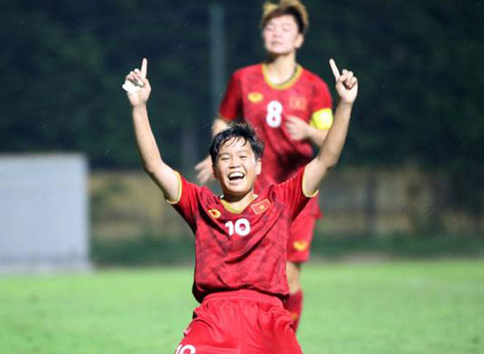 Chia vui với các cô gái vàng bóng đá nữ Việt Nam