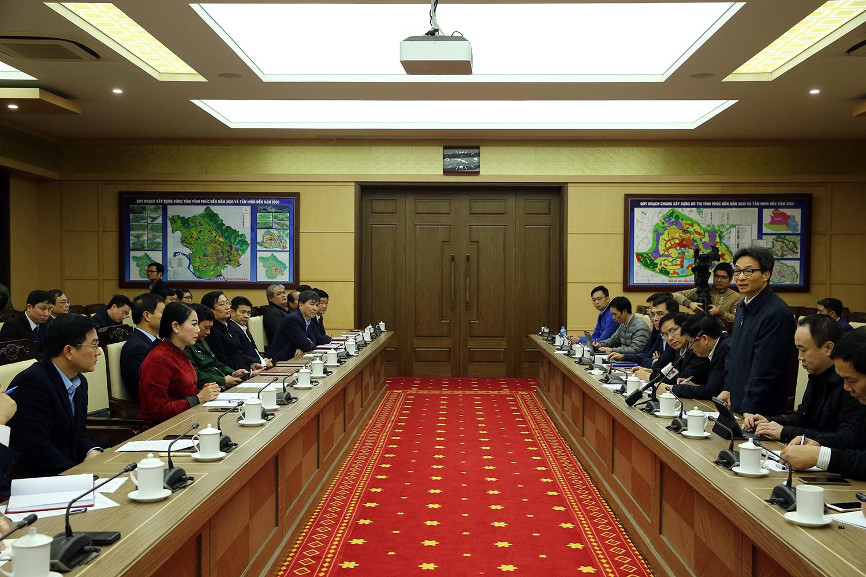 Phó Thủ tướng Vũ Đức Đam làm việc với tỉnh Vĩnh Phúc về công tác phòng, chống dịch nCoV