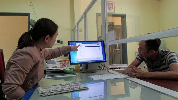 Ứng dụng công nghệ thông tin là giảm chi phí cho người dân và doanh nghiệp