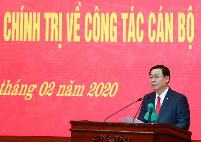 Đồng chí Vương Đình Huệ chuyển sinh hoạt về Đoàn đại biểu Quốc hội thành phố Hà Nội