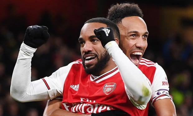 Arsenal thoát mạch không thắng