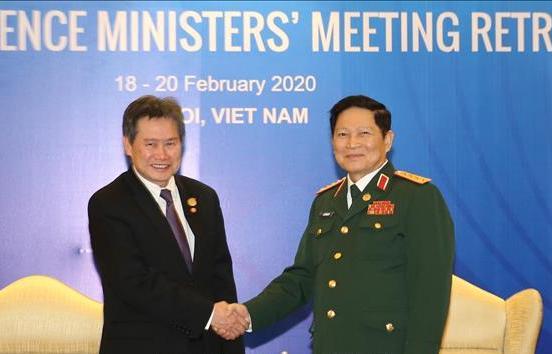 Bộ trưởng Bộ Quốc phòng Ngô Xuân Lịch tiếp Tổng Thư ký ASEAN