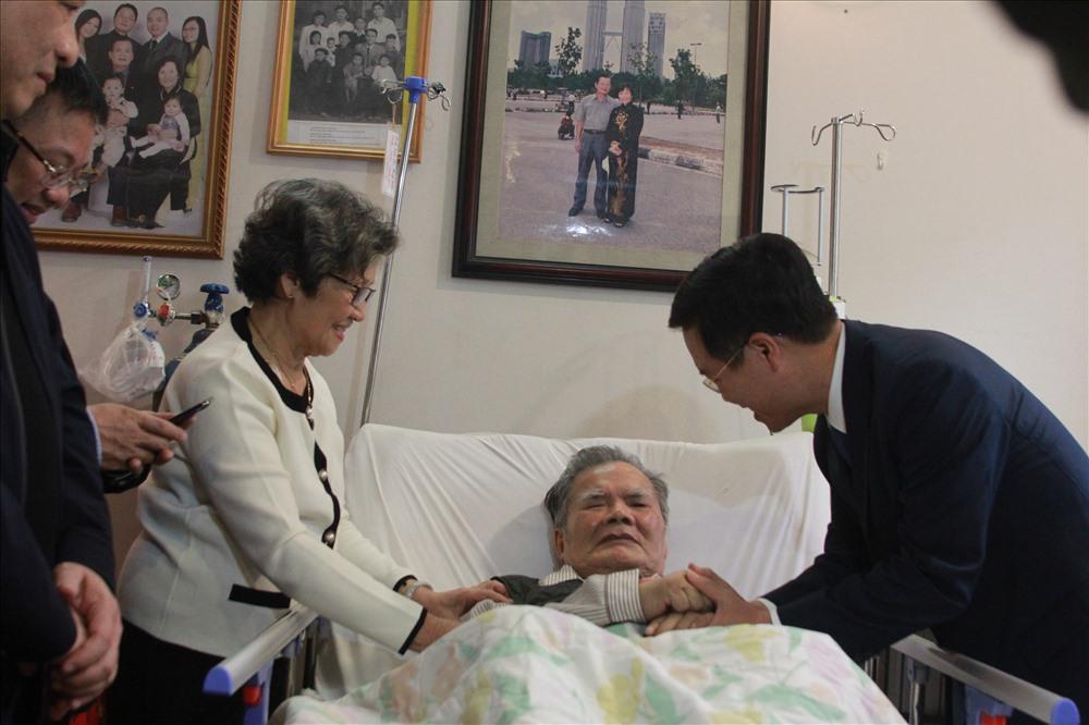 Trưởng Ban Tuyên giáo Trung ương Võ Văn Thưởng thăm thầy thuốc Lê Đăng Hà