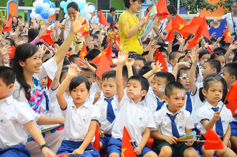 Học sinh Hà Nội đi học trở lại từ ngày 2 3