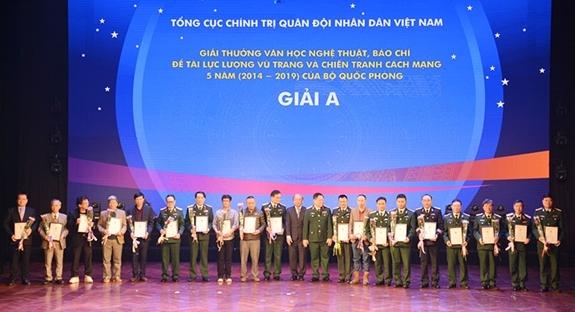 194 tác phẩm đoạt giải về lực lượng vũ trang và chiến tranh cách mạng