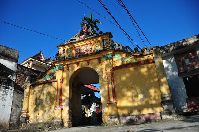 Bước qua những ngôi làng xưa cũ
