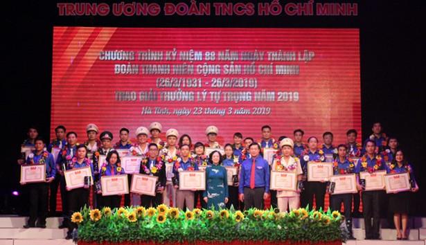 82 cán bộ Đoàn tiêu biểu toàn quốc nhận giải thưởng Lý Tự Trọng