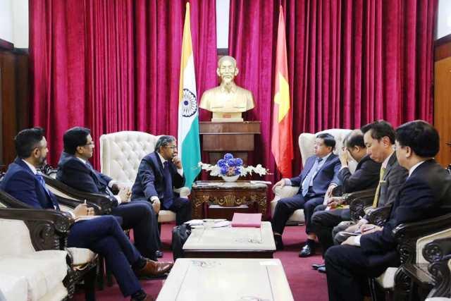Bộ trưởng Bộ Kế hoạch và Đầu tư Nguyễn Chí Dũng Việt Nam và Ấn Độ cần đẩy mạnh hơn nữa hợp tác thương mại