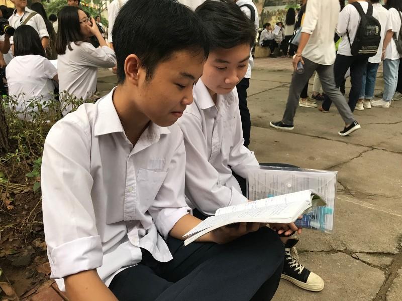 Hỗ trợ học sinh ôn thi THPT quốc gia phù hợp, hiệu quả