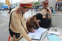 Xử lý gần 3 900 trường hợp vi phạm trật tự an toàn giao thông