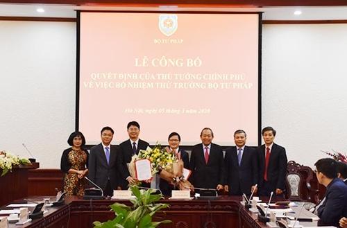 Trao Quyết định bổ nhiệm hai Thứ trưởng Bộ Tư pháp