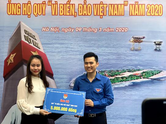 """Tuổi trẻ Thủ đô ủng hộ Quỹ """"Vì biển, đảo Việt Nam"""""""