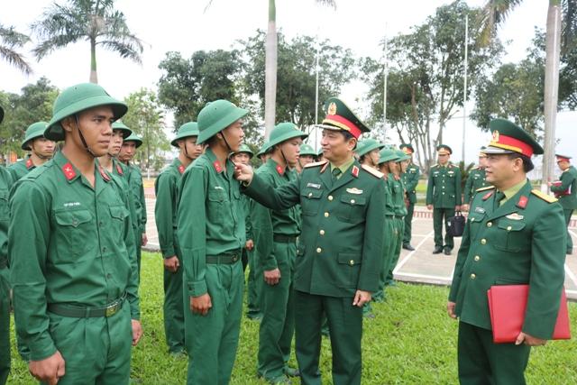Bộ Tư lệnh Quân khu 4 kiểm tra huấn luyện, sẵn sàng chiến đấu tại các đơn vị