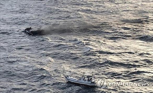 Dừng tìm kiếm tập trung 5 thuyền viên Việt Nam mất tích trong vụ cháy tàu cá tại Hàn Quốc