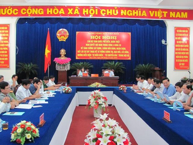 Bạc Liêu Chú trọng công tác cán bộ phục vụ đại hội Đảng bộ các cấp