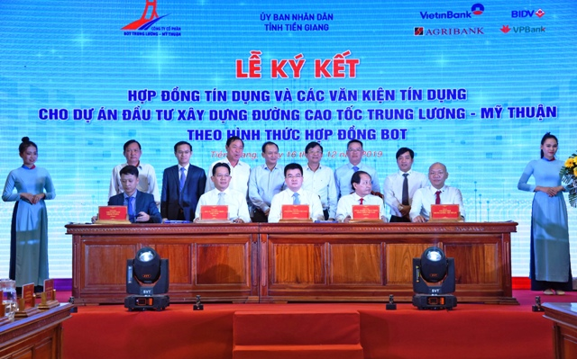 Giải ngân món vay đầu tiên vốn tín dụng dự án Trung Lương – Mỹ Thuận