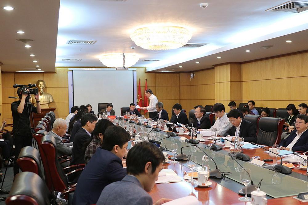 Tiếp tục hoàn thiện các văn bản pháp luật, chính sách quản lý tài nguyên nước