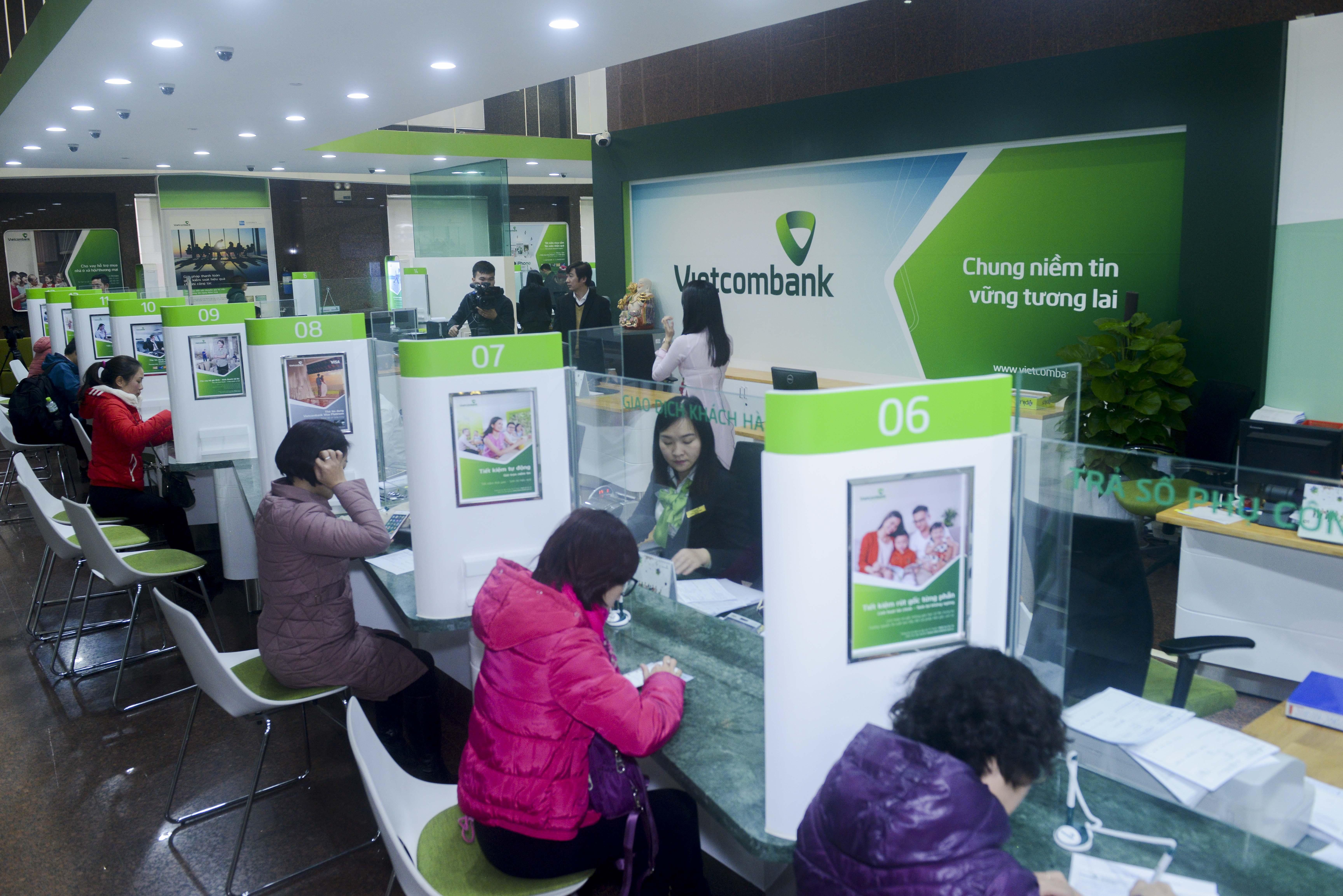 Tiếp tục giảm 50 phí dịch vụ chuyển tiền liên ngân hàng